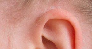 Výtok z ucha